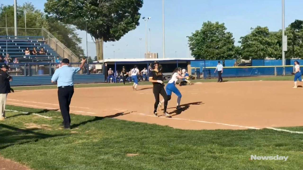 St. Anthony's defeated Kellenberg, 3-2, to win the