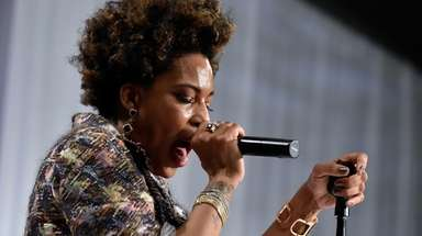 Macy Gray performs during the Le Vian Red