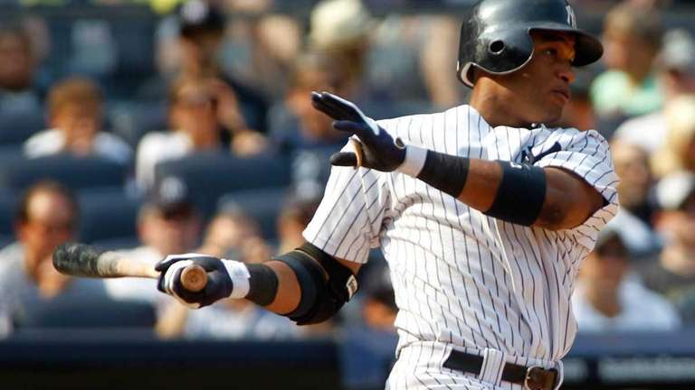 Robinson Cano hits a two-run double in the