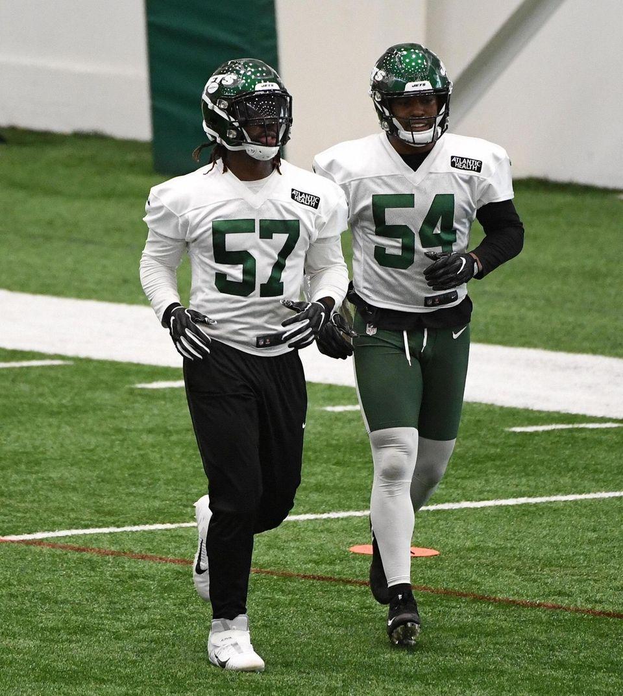 New York Jets inside linebackers C.J. Mosley, left,