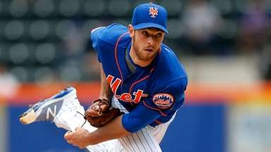 Steven Matz of the Mets pitches during the