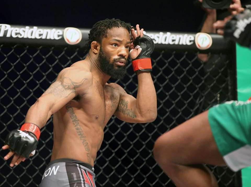 Andre Harrison defeated Peter Petties by decision during