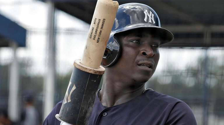 Yankees shortstop Didi Gregorius waits in the on-deck