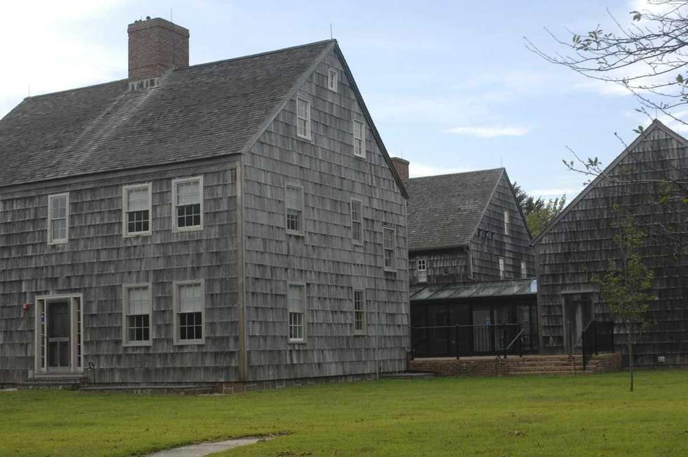East Hampton Town Hall is located on Pantigo