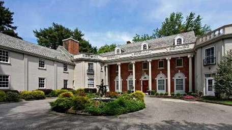 The Gold Coast mansion Chestnut Manor (formerly known