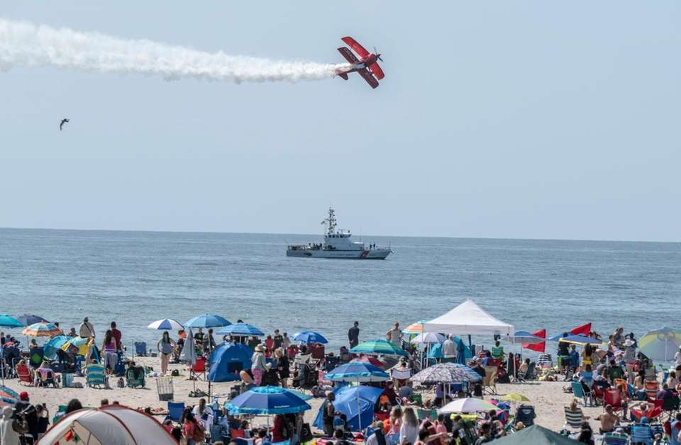 The Oracle flying over Jones Beach during the16th