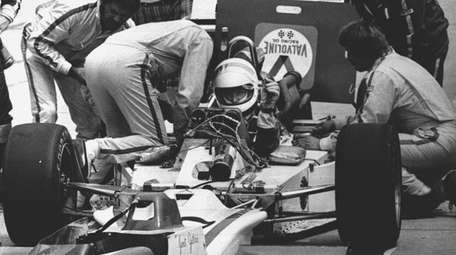 Janet Guthrie, the first woman to compete in