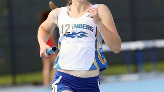 Kellenberg's Maureen Lewin runs anchor leg in the