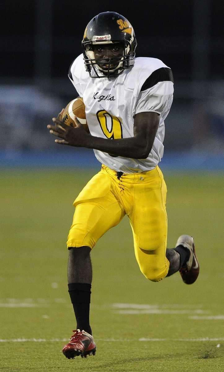 Uniondale's Nyder Chardonette runs for a first down