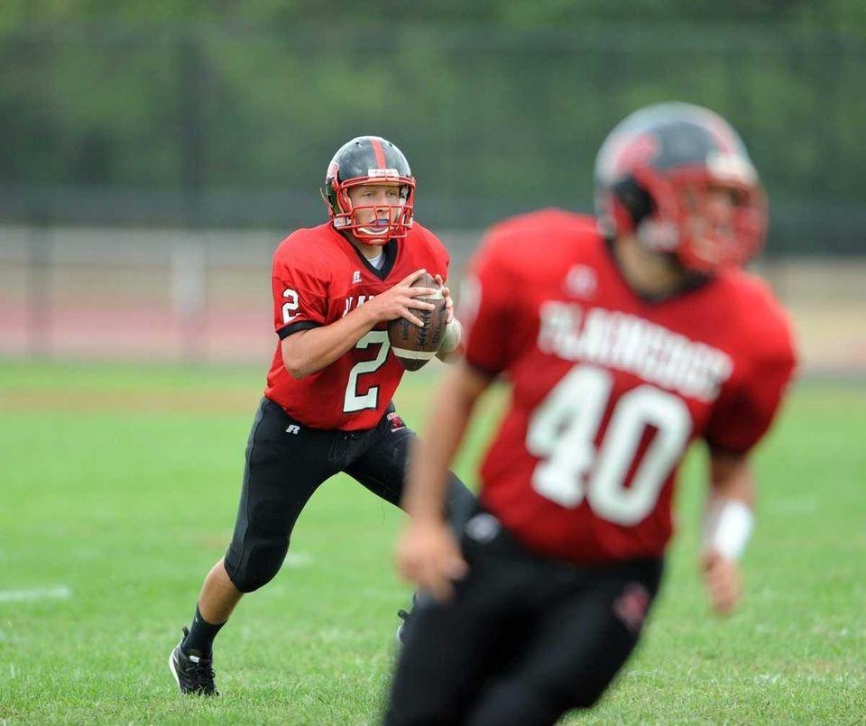 Quarterback Nick Frenger of the Plainedge Red Devils