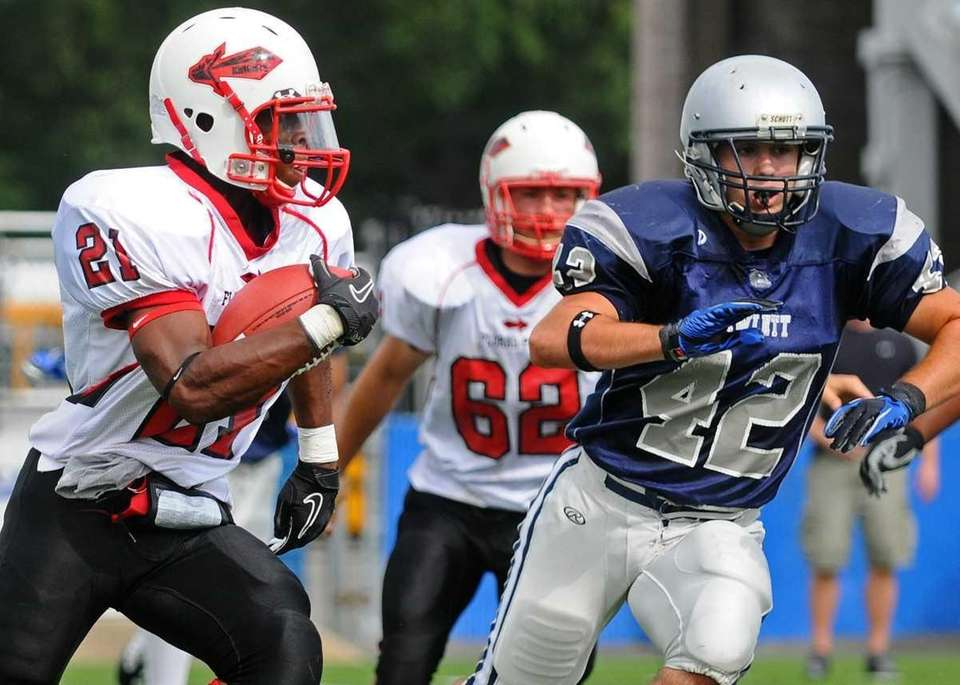 Floral Park High School running back #21 Ronnell