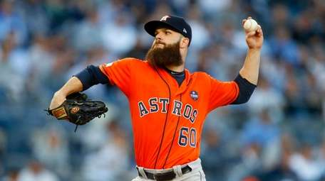 Dallas Keuchel pitches against the Yankees in Game