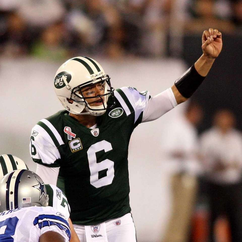 Mark Sanchez calls out an audible in the