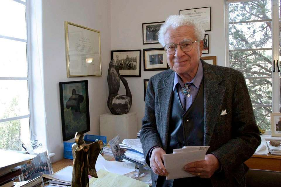Murray Gell-Mann, the Nobel Prize-winning physicist who brought