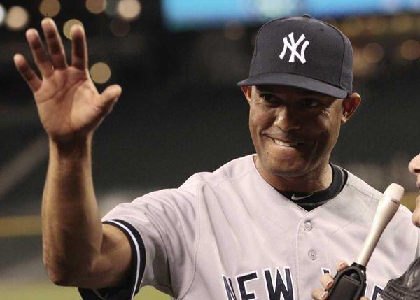 New York Yankees closer Mariano Rivera waves to