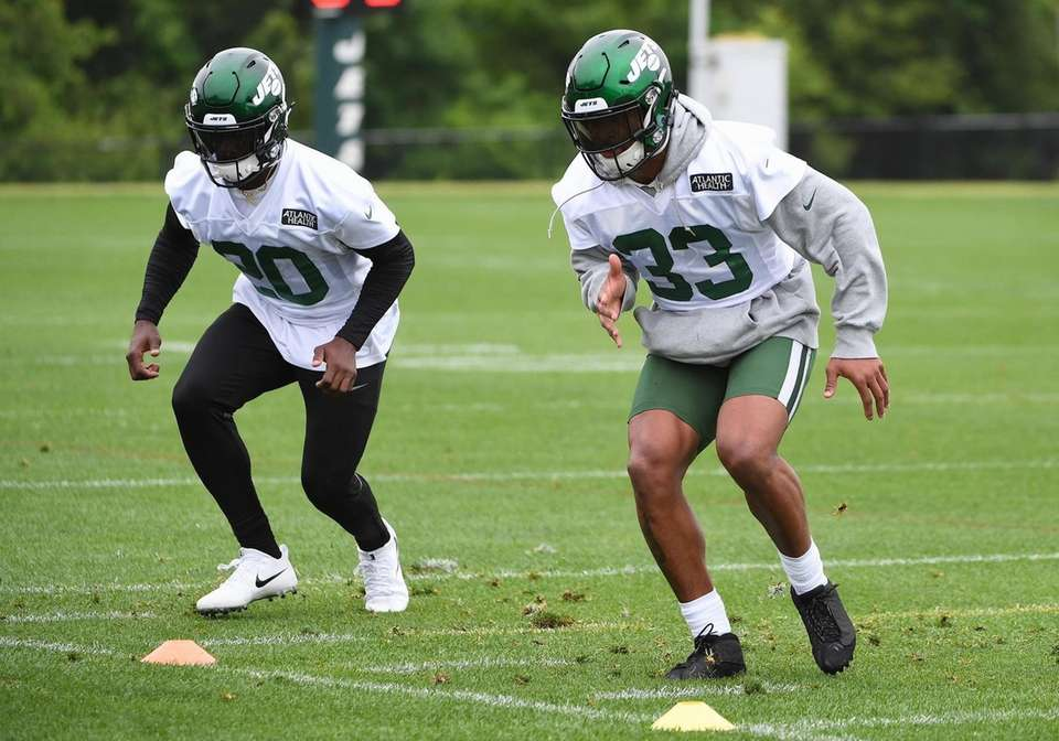 New York Jets strong safety Jamal Adams, right,