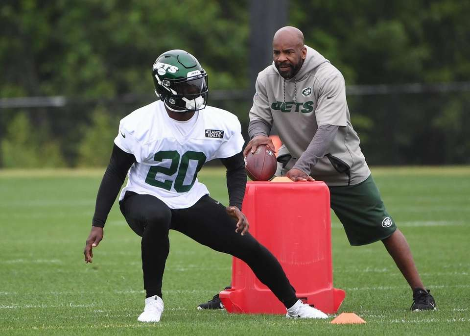 New York Jets safety Marcus Maye runs a