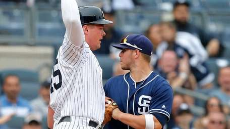 Luke Voit of the Yankees is safe at