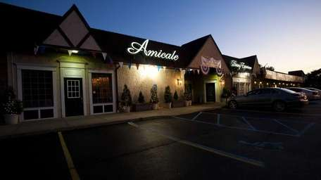 Amicale Dining Experience located at 872 East Jericho