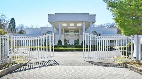 This Lake Success mansion is listed for $6.288