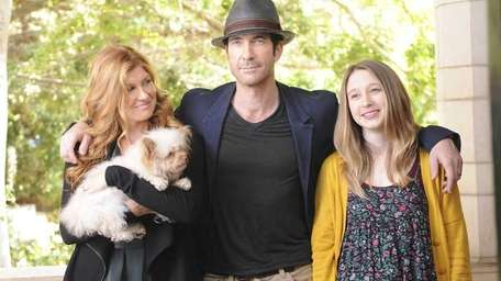 Connie Britton as Vivien Harmon, Dylan McDermott as