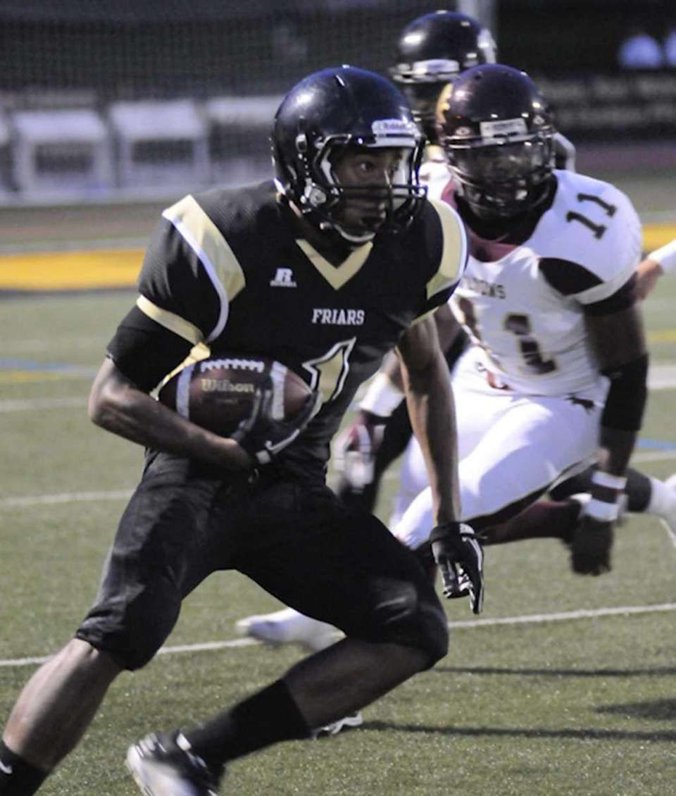 St Anthony's #1 Durelle Napier rushes for yards