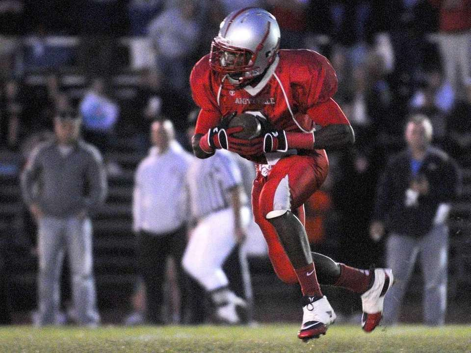 Amityville High School wide receiver #2 Willie White