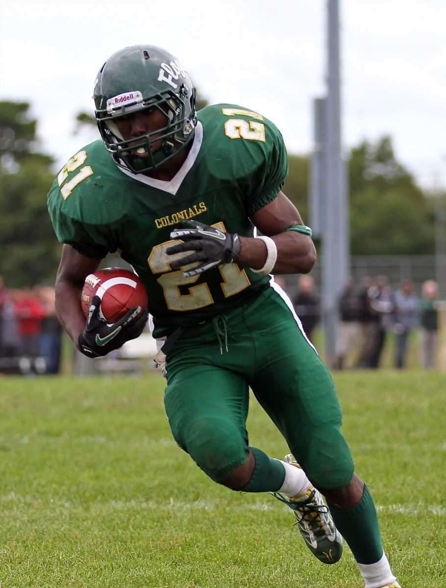 William Floyd running back Stacey Bedell #21 takes