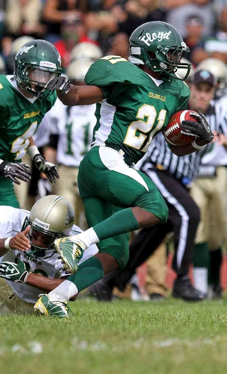 William Floyd running back Stacey Bedell #21 breaks