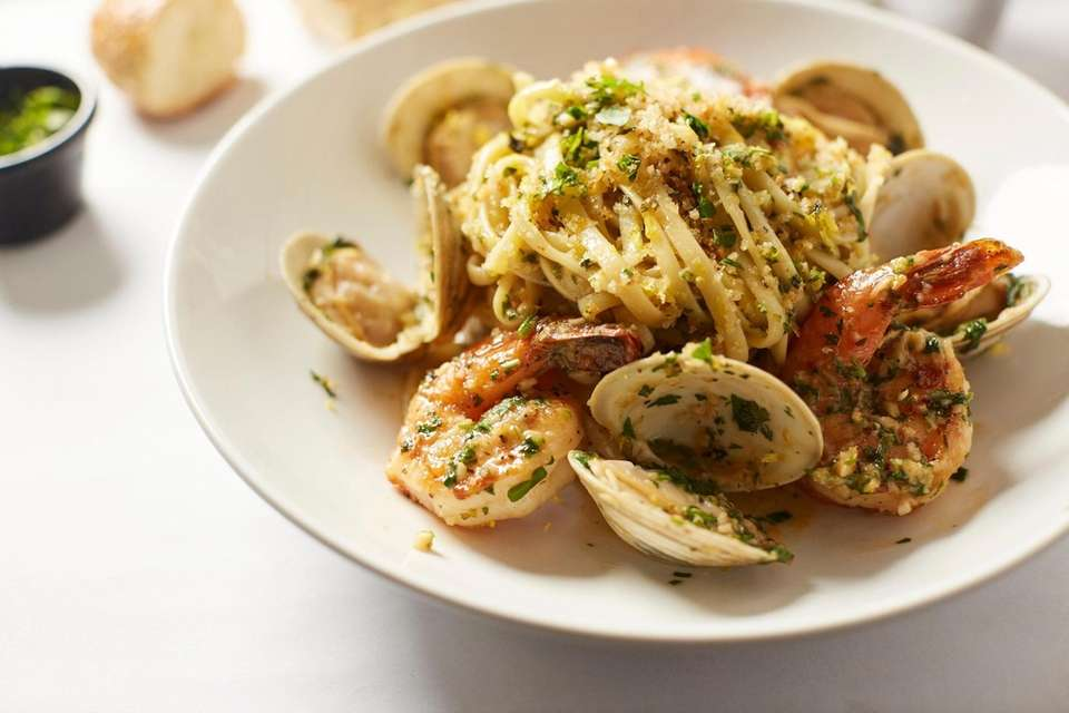 Linguine with clam sauce at Bistro 25 East