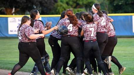 Mepham players are jubilant after beating Division in