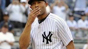 Mariano Rivera blows a kiss to the crowd