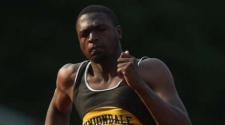 Giordano Williams of Uniondale sprints to victory in