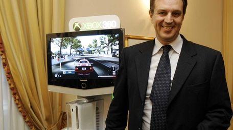 Microsoft Italy chief executive Marco Comastri introduces the