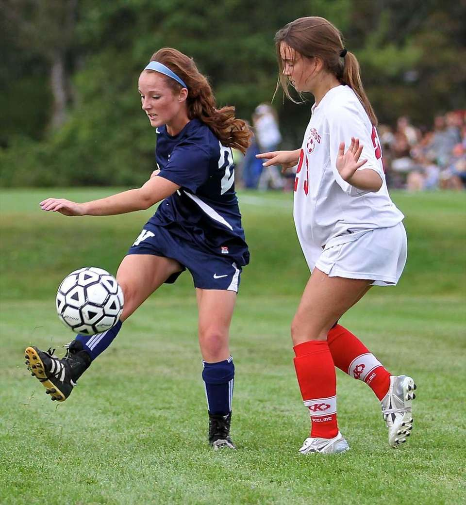 Northport forward Rosy Hayes #23, dribbles the ball