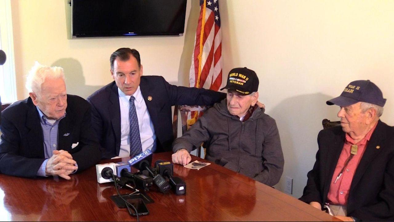 Rep. Tom Suozzi(D-Glen Cove) met on Monday three