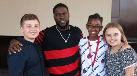 Comedian and actor Kevin Hart with Kidsday reporters