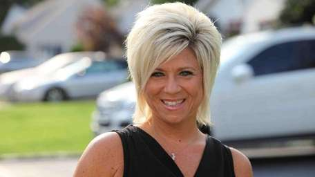 Theresa Caputo stars in TLC's