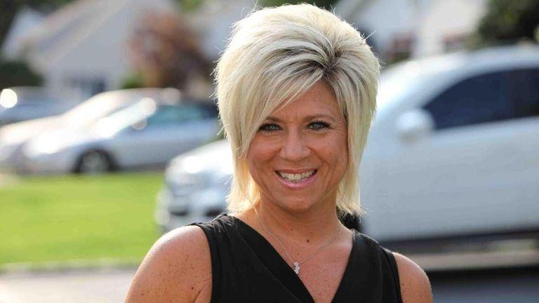 Theresa Caputo stars in TLC's