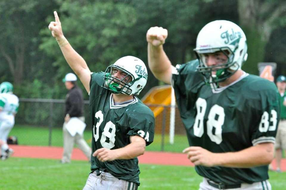 Locust Valley celebrates a 13-12 victory over Seaford.