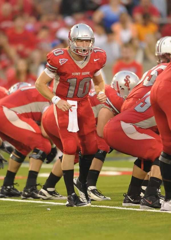 Stony Brook's Michael Coulter (10 ) changes the