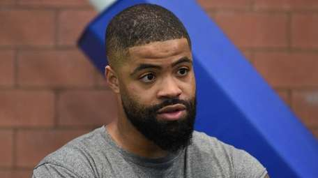 Giants wide receiver Cody Latimer speaks to the