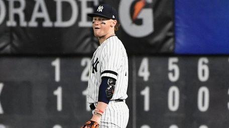 Yankees right fielder Clint Frazier is booed by