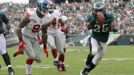 Running back LeSean McCoy #25 of the Philadelphia
