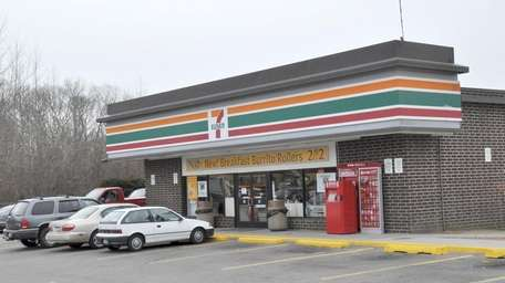 A 7-Eleven convenience store along William Floyd Parkway