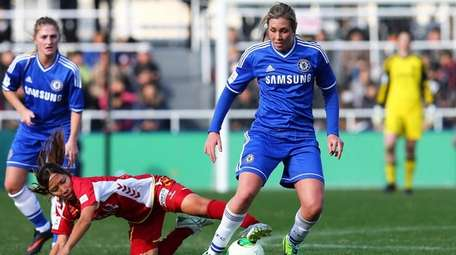 Allie Long of Chelsea L.F.C. in action during