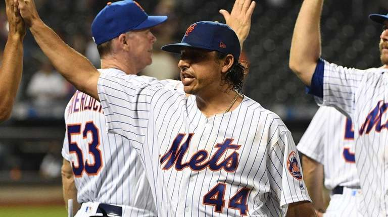Jason Vargas pitches five-hit shutout as Mets top Giants