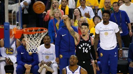 Danny Green of the Toronto Raptors attempts a