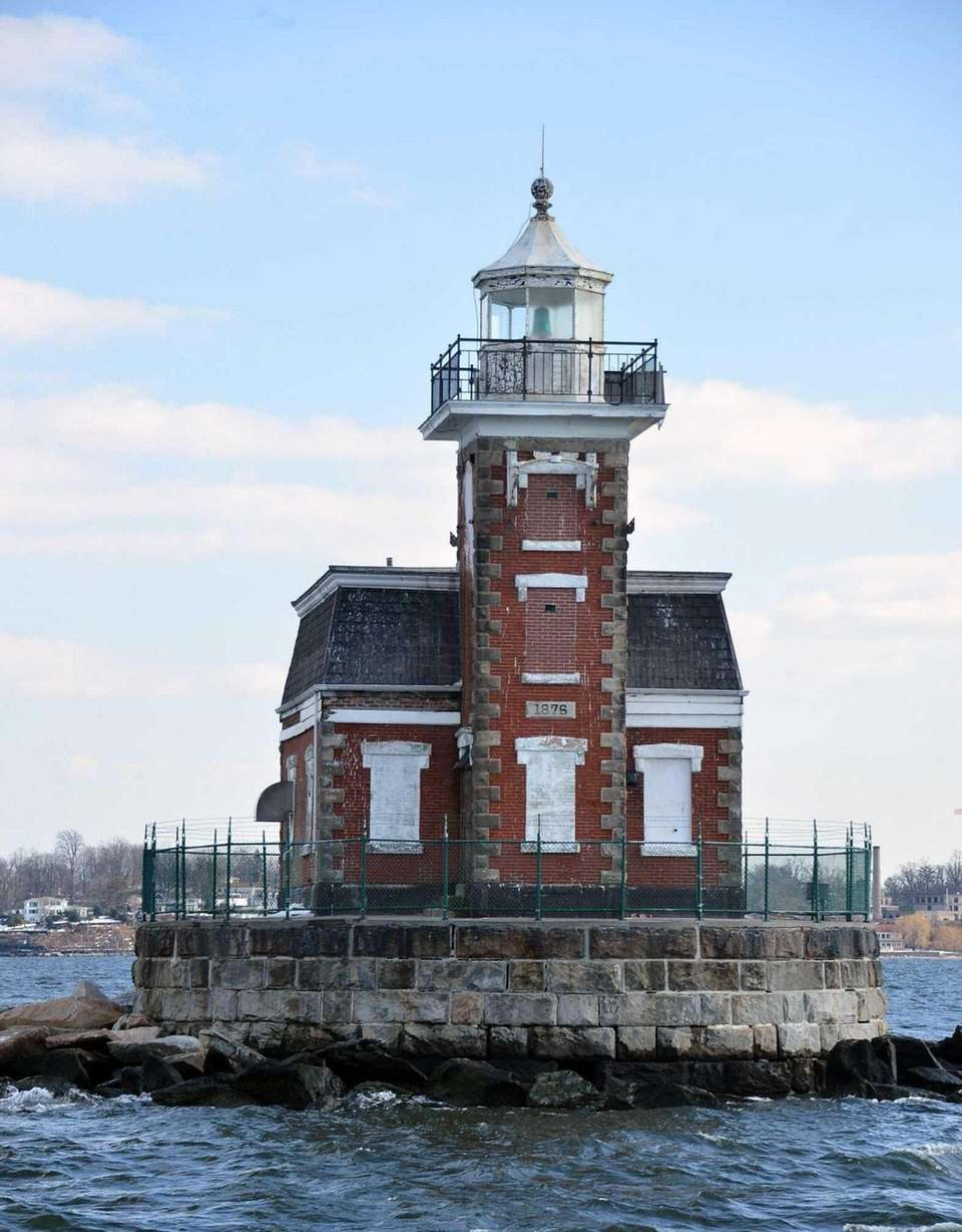 The Stepping Stones Lighthouse is a Victorian-style lighthouse