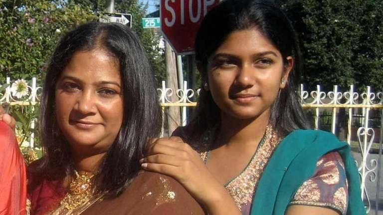 Nadia Habib, right, and her mother, Nazim Habib.